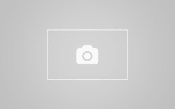 日本A片,情色按摩成人影片, 波多野結衣下體幫男客小腿推油按摩到勃起